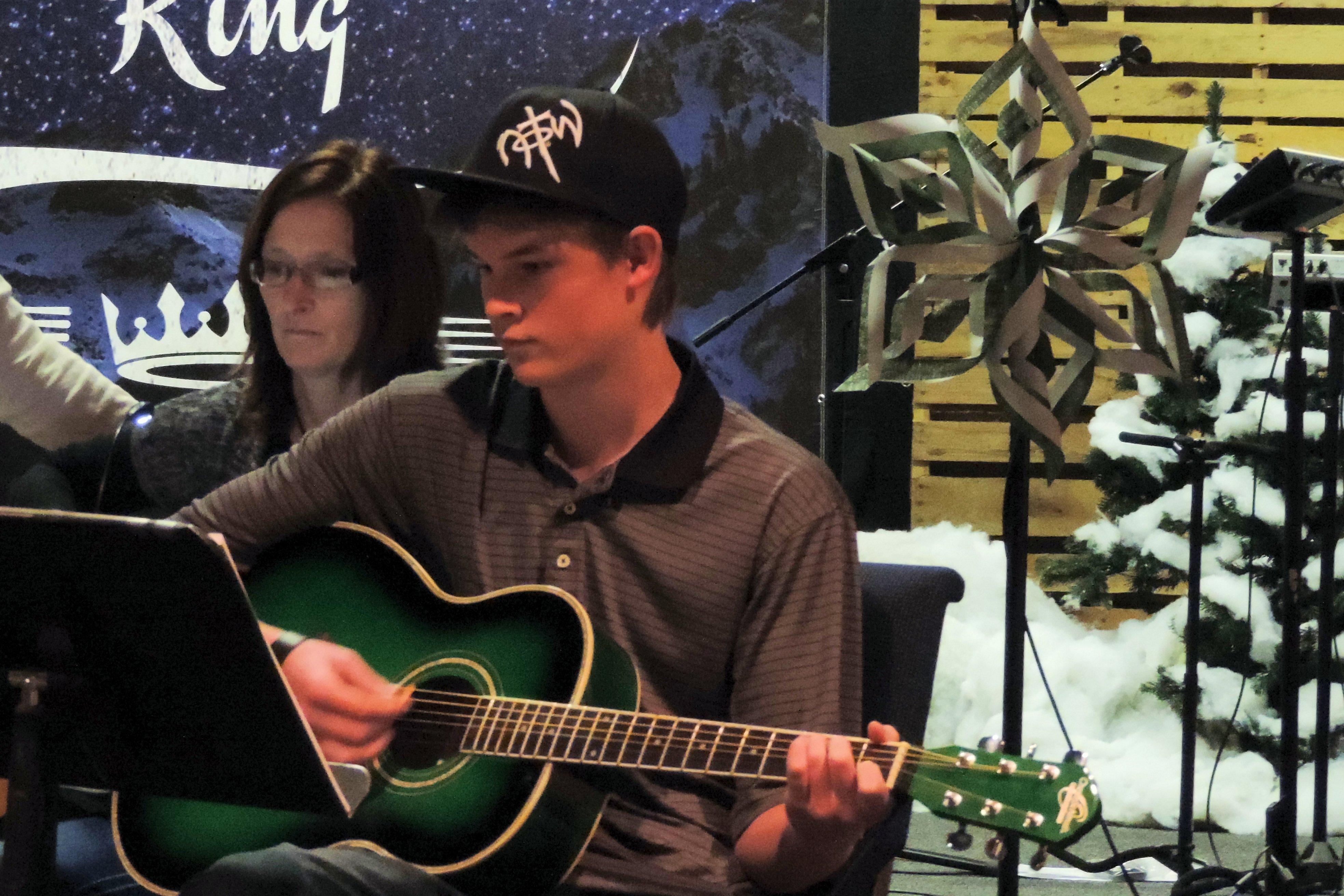 Guitar Winter 2014 Class (2)